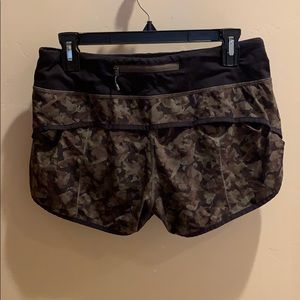 Lululemon army exercise shorts
